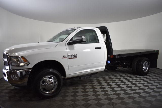 2018 Ram 3500 Regular Cab DRW 4x2,  Knapheide Platform Body #M181253 - photo 3