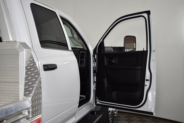 2018 Ram 5500 Crew Cab DRW 4x4,  Monroe Platform Body #M181269 - photo 26