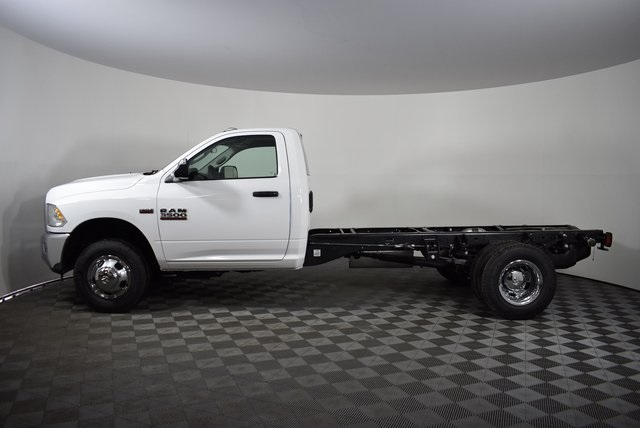 2018 Ram 3500 Regular Cab DRW 4x4,  Cab Chassis #M181276 - photo 3