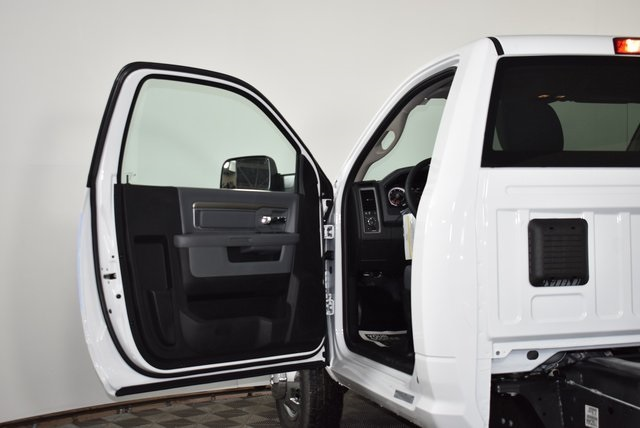 2018 Ram 3500 Regular Cab DRW 4x4,  Cab Chassis #M181276 - photo 20