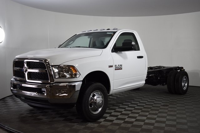 2018 Ram 3500 Regular Cab DRW 4x4,  Cab Chassis #M181276 - photo 9