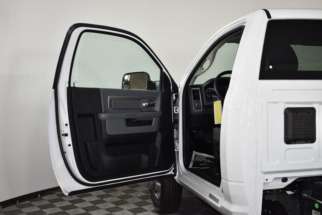 2018 Ram 3500 Regular Cab DRW 4x4,  Monroe Versa-Line Platform Body #M181290 - photo 16