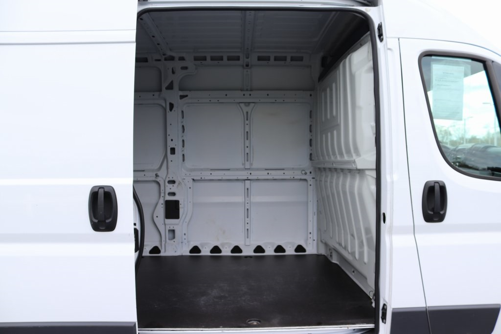 2018 ProMaster 3500 High Roof FWD,  Empty Cargo Van #M181318 - photo 26