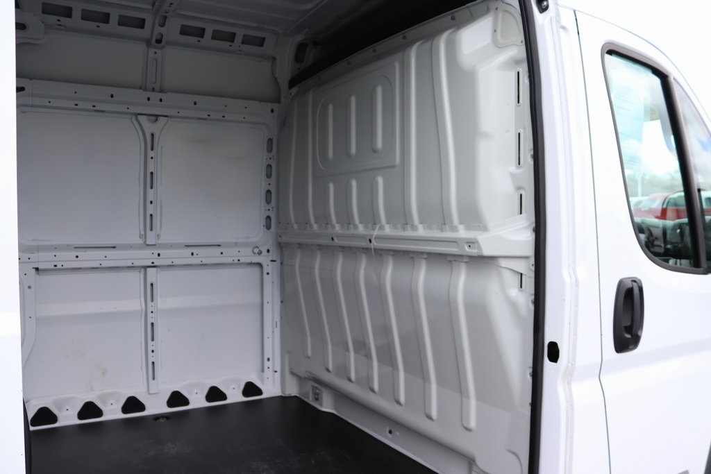 2018 ProMaster 3500 High Roof FWD,  Empty Cargo Van #M181318 - photo 27