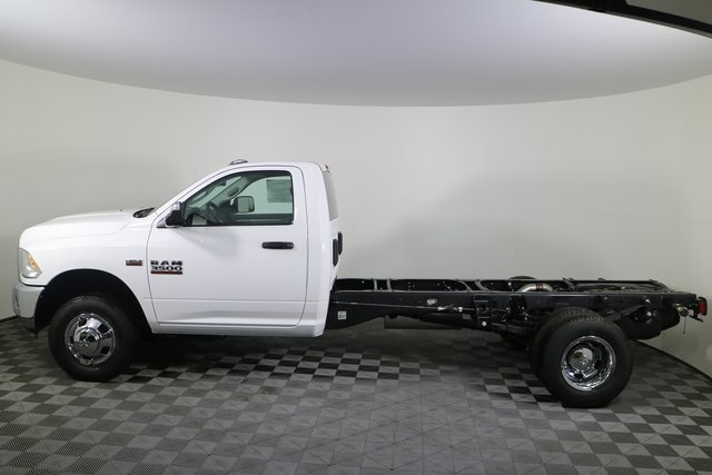 2018 Ram 3500 Regular Cab DRW 4x4,  Cab Chassis #M181326 - photo 3