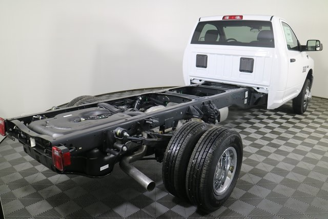 2018 Ram 3500 Regular Cab DRW 4x4,  Cab Chassis #M181326 - photo 5