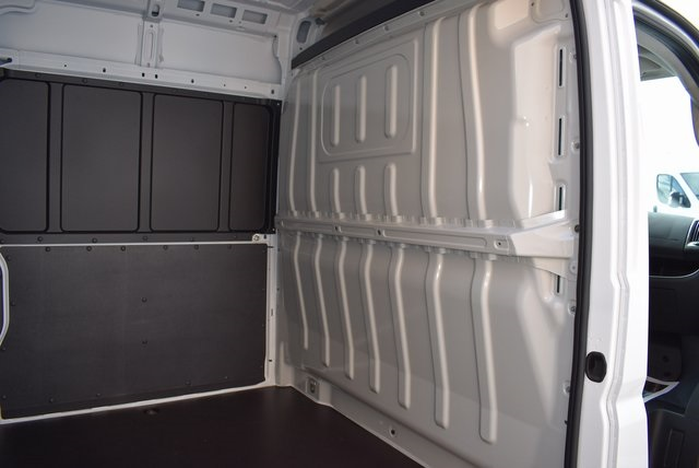 2018 ProMaster 2500 High Roof FWD,  Empty Cargo Van #M181340 - photo 24