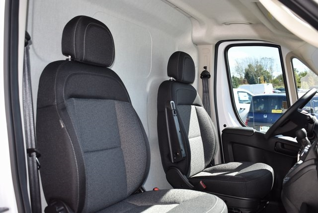 2018 ProMaster 3500 High Roof FWD,  Empty Cargo Van #M181341 - photo 25