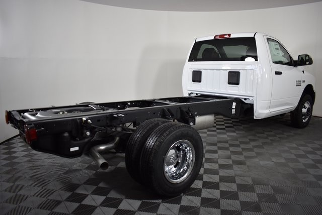 2018 Ram 3500 Regular Cab DRW 4x4,  Cab Chassis #M181346 - photo 5