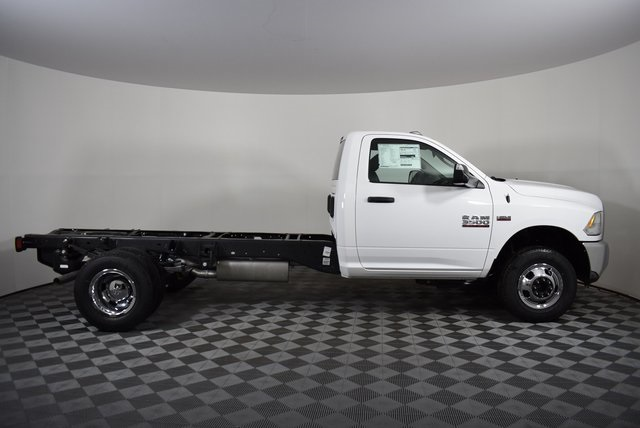 2018 Ram 3500 Regular Cab DRW 4x4,  Cab Chassis #M181346 - photo 6