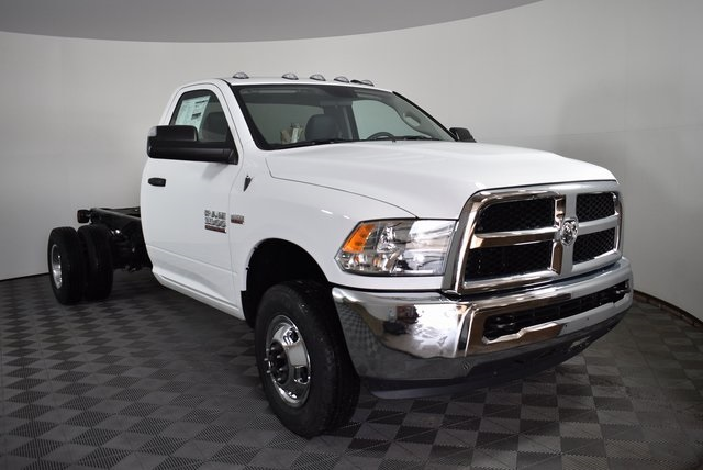 2018 Ram 3500 Regular Cab DRW 4x4,  Cab Chassis #M181346 - photo 7