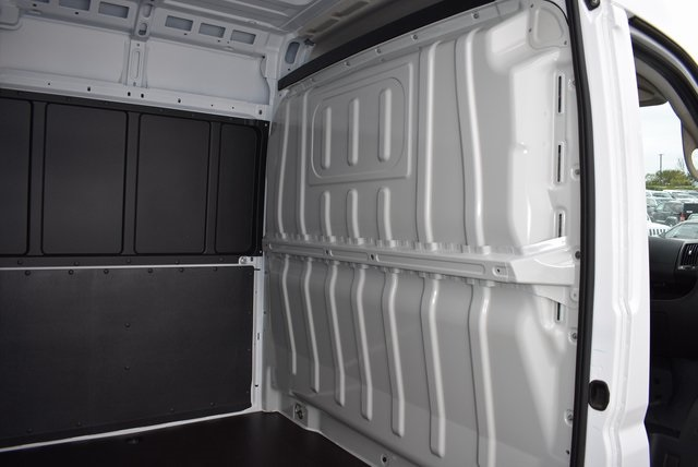 2018 ProMaster 2500 High Roof FWD,  Empty Cargo Van #M181351 - photo 8