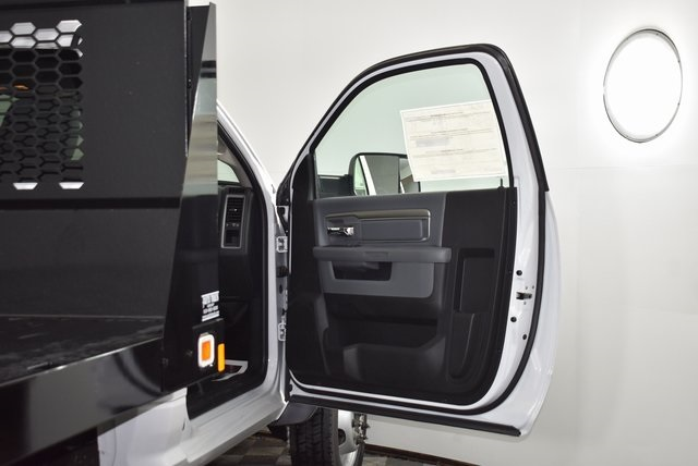 2018 Ram 4500 Regular Cab DRW 4x2,  Knapheide Value-Master X Platform Body #M181356 - photo 24