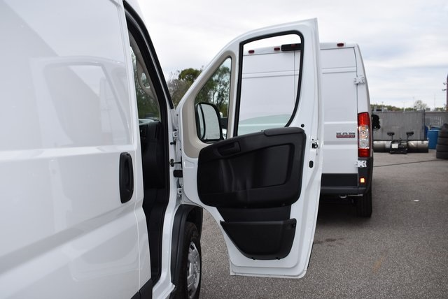 2018 ProMaster 3500 High Roof FWD,  Empty Cargo Van #M181367 - photo 29