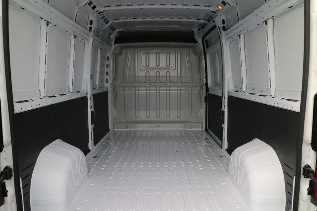 2018 ProMaster 3500 High Roof FWD,  Empty Cargo Van #M181381 - photo 2