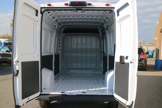 2018 ProMaster 3500 High Roof FWD,  Empty Cargo Van #M181382 - photo 2