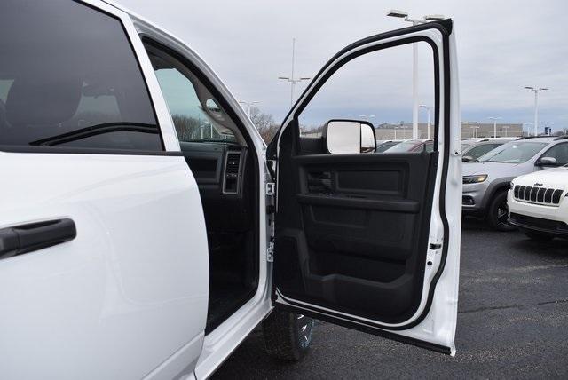 2018 Ram 3500 Crew Cab DRW 4x4,  Monroe MSS II Deluxe Service Body #M181515 - photo 36