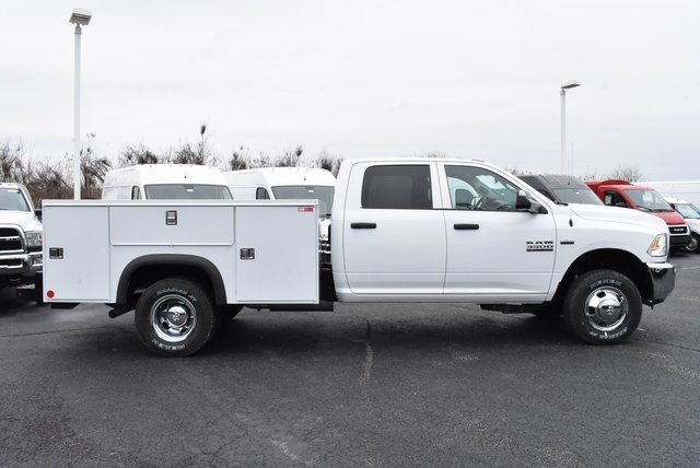 2018 Ram 3500 Crew Cab DRW 4x4,  Monroe Service Body #M181515 - photo 6