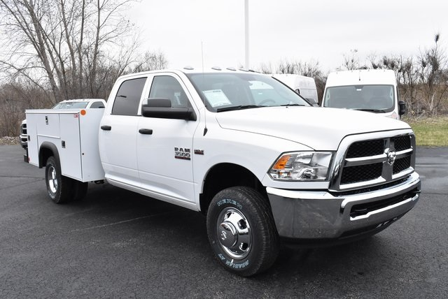 2018 Ram 3500 Crew Cab DRW 4x4,  Monroe Service Body #M181515 - photo 7