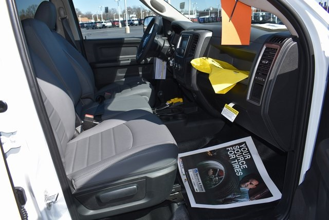 2018 Ram 5500 Crew Cab DRW 4x4,  Rugby Dump Body #M181517 - photo 24
