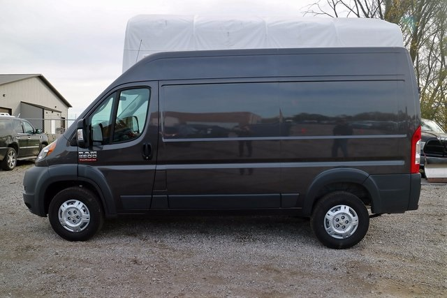 2018 ProMaster 2500 High Roof, Cargo Van #M18190 - photo 3