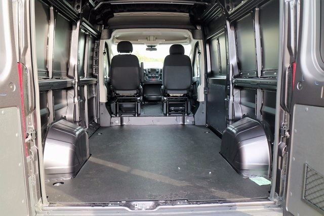 2018 ProMaster 2500 High Roof, Cargo Van #M18190 - photo 2