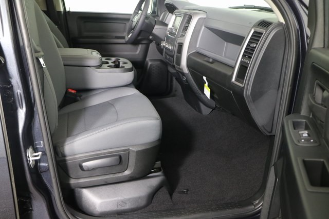 2018 Ram 1500 Quad Cab 4x4, Pickup #M18231 - photo 28