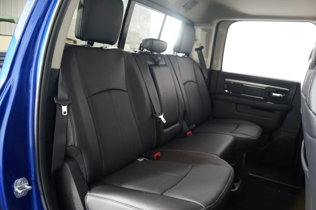 2018 Ram 1500 Crew Cab 4x4 Pickup #M18236 - photo 38
