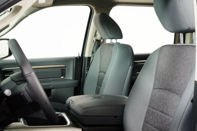 2018 Ram 1500 Crew Cab 4x4, Pickup #M18500 - photo 26