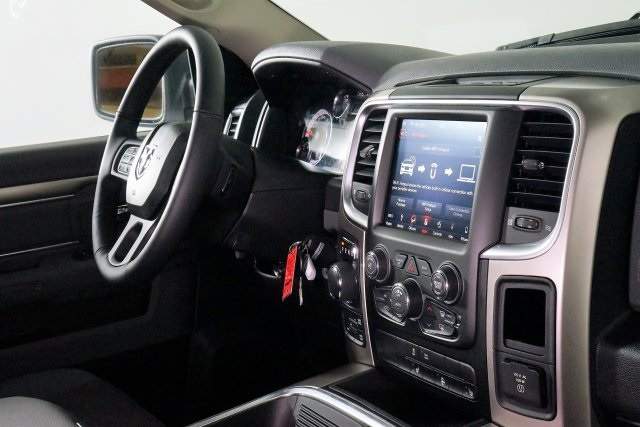 2018 Ram 1500 Crew Cab 4x4, Pickup #M18500 - photo 49