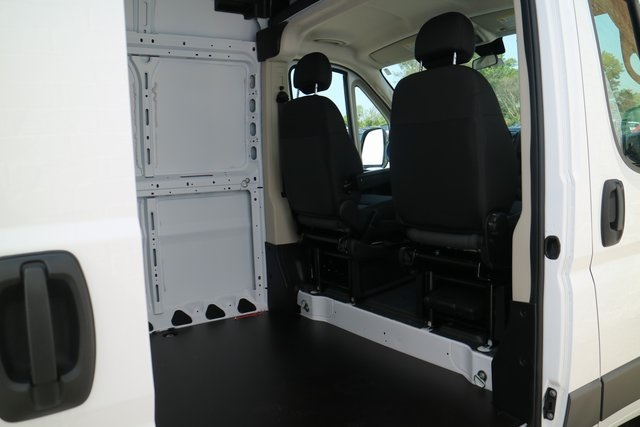 2018 ProMaster 2500 High Roof 4x2,  Empty Cargo Van #M18916 - photo 10