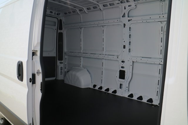 2018 ProMaster 2500 High Roof 4x2,  Empty Cargo Van #M18916 - photo 11