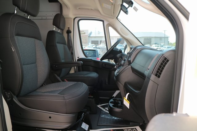 2018 ProMaster 2500 High Roof 4x2,  Empty Cargo Van #M18916 - photo 13
