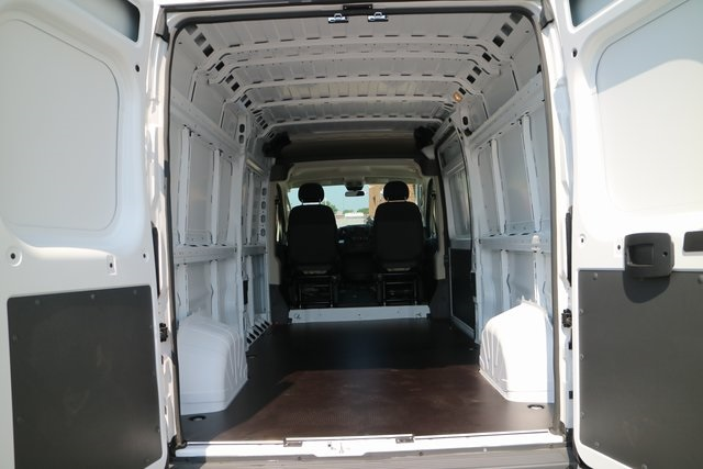 2018 ProMaster 2500 High Roof 4x2,  Empty Cargo Van #M18916 - photo 2