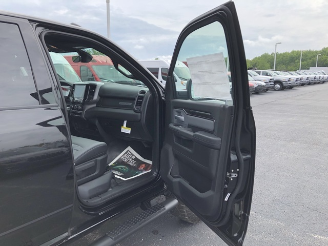 2019 Ram 2500 Crew Cab 4x4,  Pickup #M191075 - photo 31