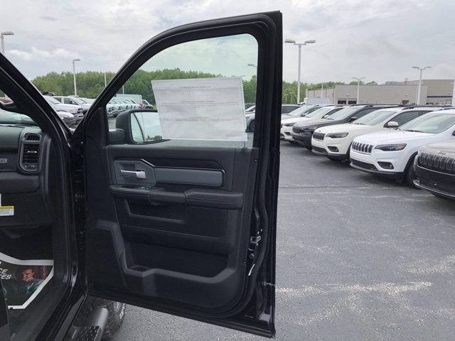 2019 Ram 2500 Crew Cab 4x4,  Pickup #M191075 - photo 32