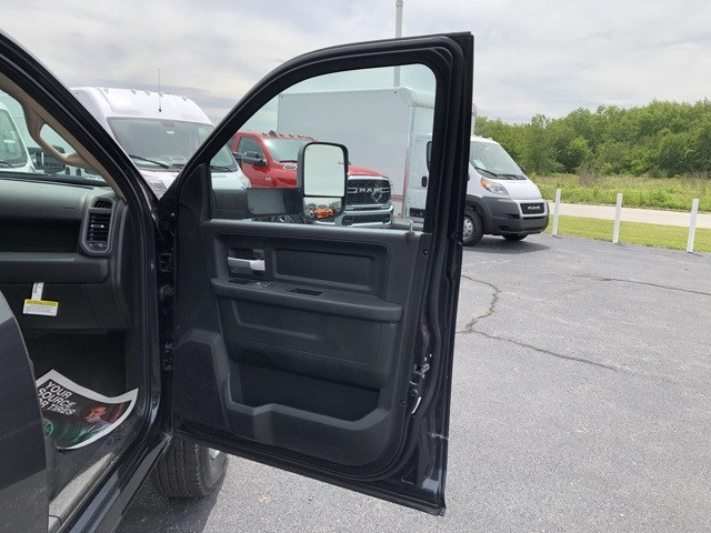 2019 Ram 2500 Crew Cab 4x4, Pickup #M191100 - photo 30