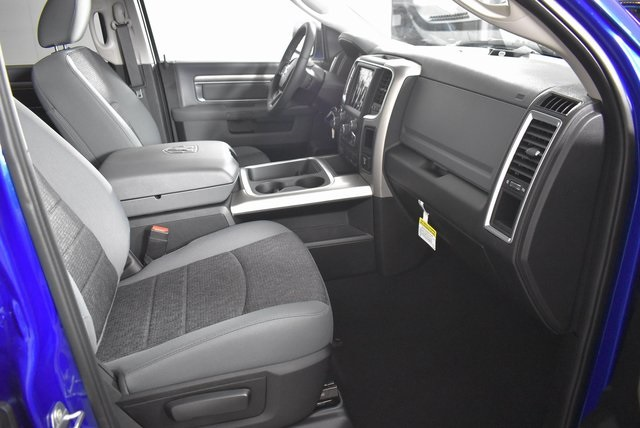 2019 Ram 1500 Crew Cab 4x4,  Pickup #M191173 - photo 27