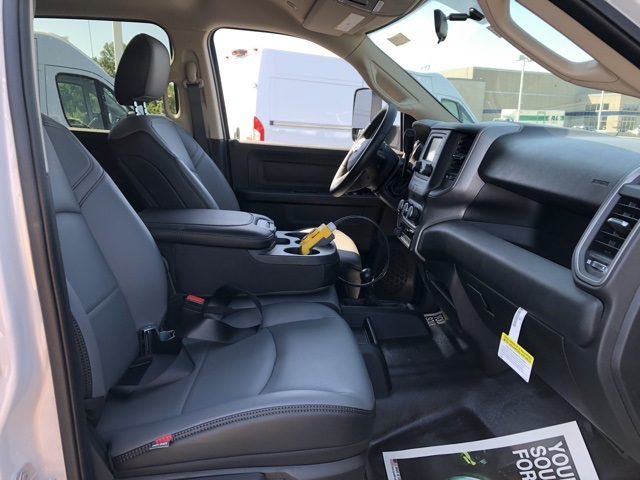 2019 Ram 5500 Crew Cab DRW 4x4,  Rugby Landscape Dump #M191322 - photo 32