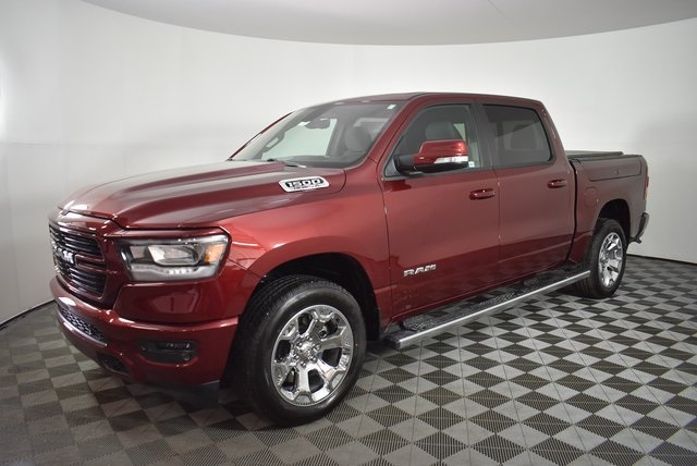 2019 Ram 1500 Crew Cab 4x4, Pickup #M191373 - photo 9