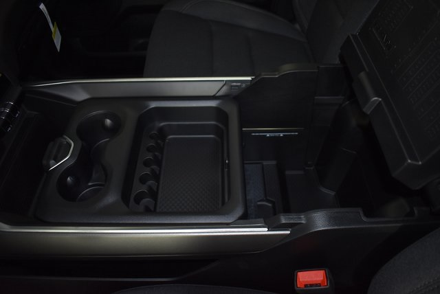 2019 Ram 1500 Crew Cab 4x4, Pickup #M191386 - photo 25