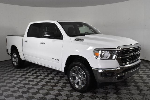 2019 Ram 1500 Crew Cab 4x4, Pickup #M191386 - photo 7