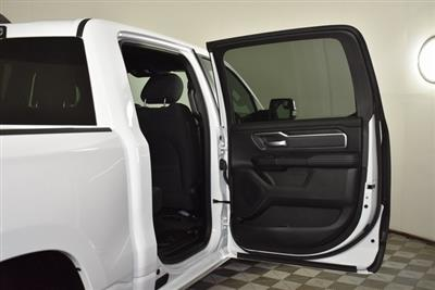 2019 Ram 1500 Crew Cab 4x4, Pickup #M191386 - photo 33