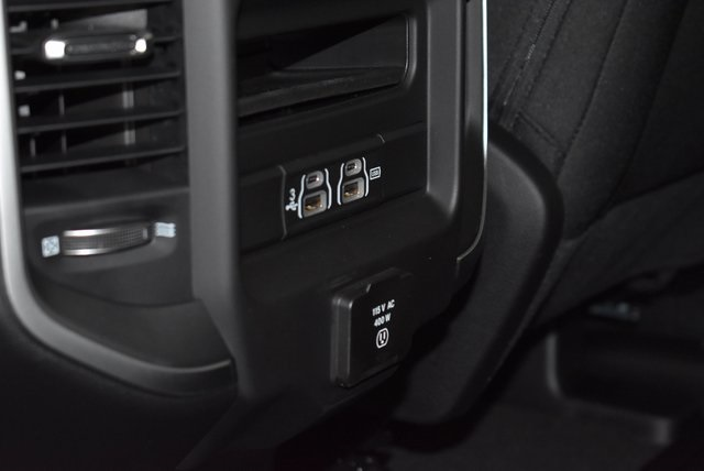 2019 Ram 1500 Crew Cab 4x4, Pickup #M191473 - photo 28