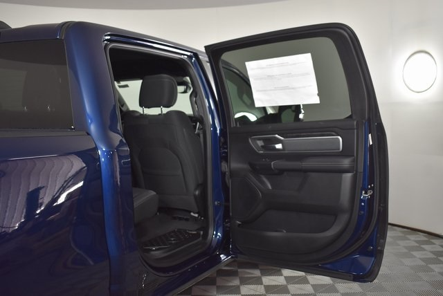 2019 Ram 1500 Crew Cab 4x4, Pickup #M191473 - photo 34