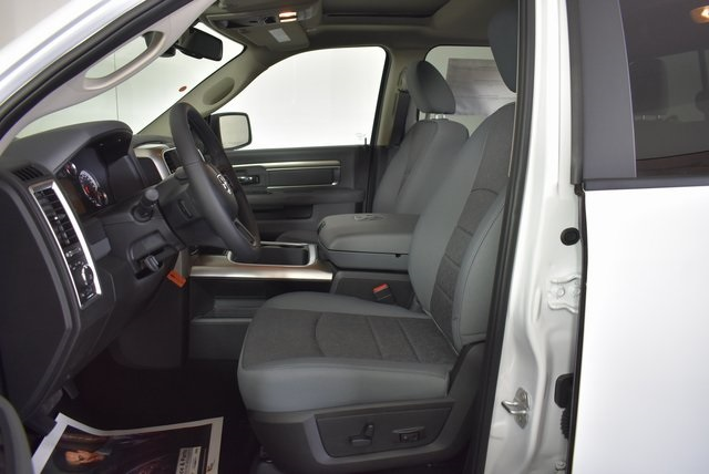 2019 Ram 1500 Crew Cab 4x4,  Pickup #M191487 - photo 11