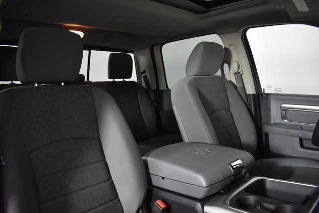 2019 Ram 1500 Crew Cab 4x4, Pickup #M191550 - photo 34