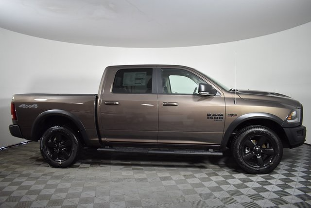 2019 Ram 1500 Crew Cab 4x4, Pickup #M191550 - photo 6