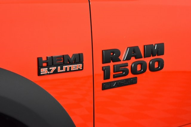 2019 Ram 1500 Crew Cab 4x4, Pickup #M191551 - photo 10