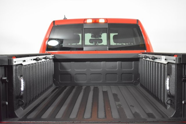 2019 Ram 1500 Crew Cab 4x4, Pickup #M191551 - photo 38